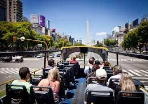 אוטובוס תיירים פתוח